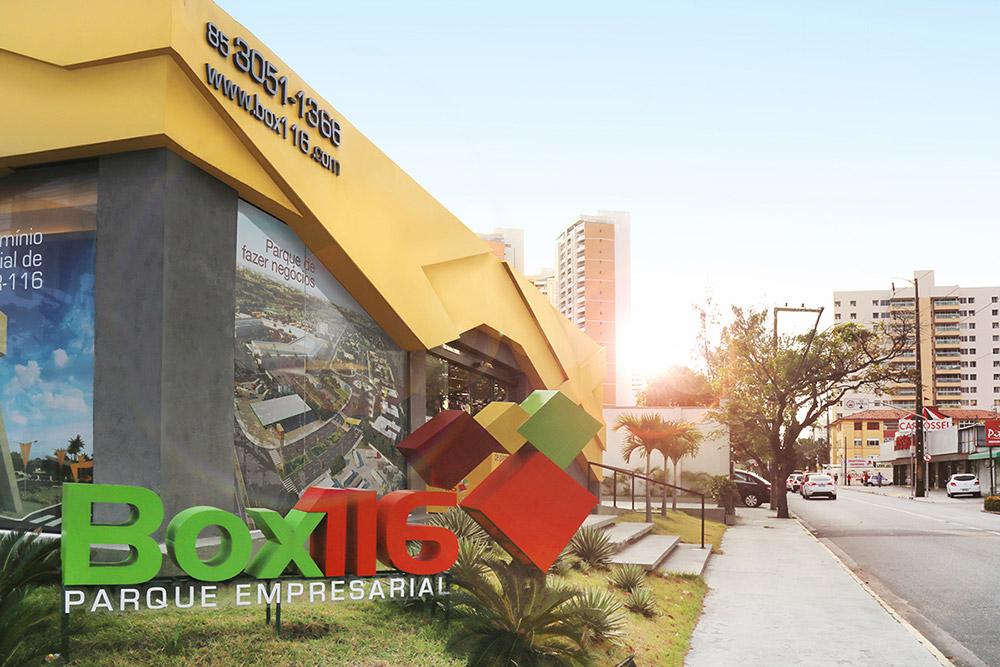 Urbania - Box 116 - Comunicação Visual Interna Stand Aldeota